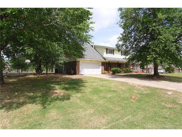 9415 E 140th Street, Bixby, OK 74008 (MLS #1744830) :: The Boone Hupp Group at Keller Williams Realty Preferred