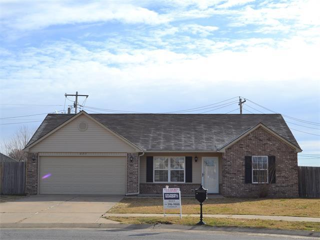 623 S Creek Street, Skiatook, OK 74070 (MLS #1745105) :: The Boone Hupp Group at Keller Williams Realty Preferred