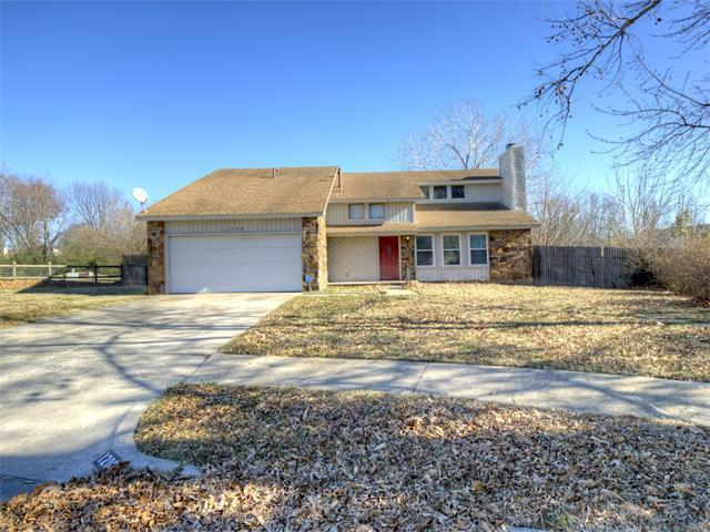 12009 E 88th Place N, Owasso, OK 74055 (MLS #1745234) :: The Boone Hupp Group at Keller Williams Realty Preferred