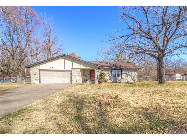 29501 E 158th Street S, Coweta, OK 74429 (MLS #1745315) :: The Boone Hupp Group at Keller Williams Realty Preferred