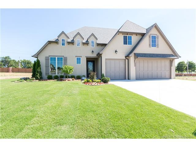 516 E 130th Place, Jenks, OK 74037 (MLS #1745319) :: The Boone Hupp Group at Keller Williams Realty Preferred