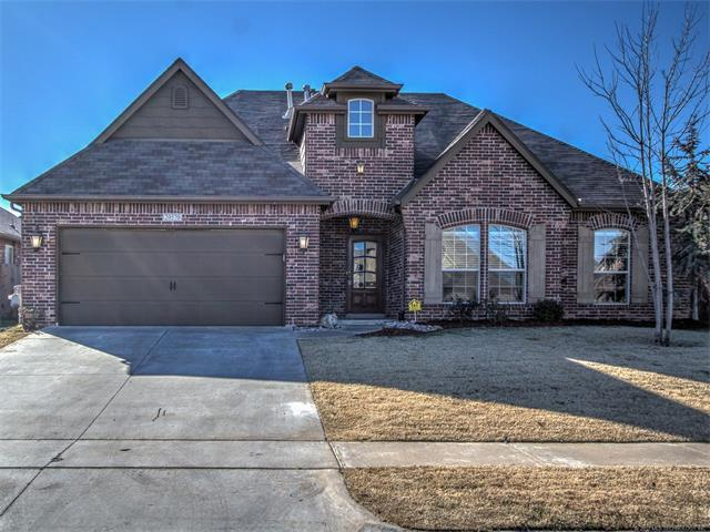 20570 E 32nd Place, Broken Arrow, OK 74014 (MLS #1745397) :: The Boone Hupp Group at Keller Williams Realty Preferred