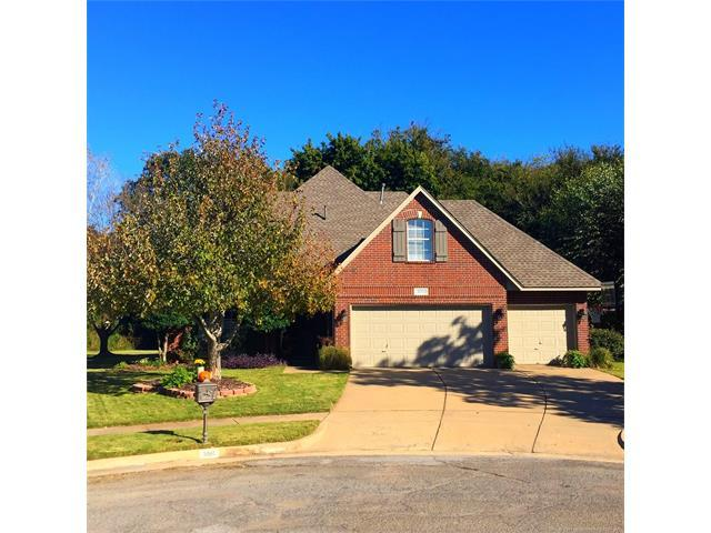 3001 W Elgin Place, Broken Arrow, OK 74012 (MLS #1745583) :: The Boone Hupp Group at Keller Williams Realty Preferred