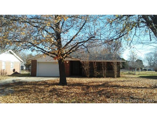 841 S Pecan Street, Nowata, OK 74048 (MLS #1745595) :: The Boone Hupp Group at Keller Williams Realty Preferred