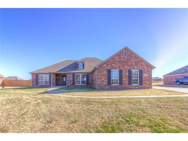 13543 S 235th East Avenue, Coweta, OK 74429 (MLS #1745706) :: The Boone Hupp Group at Keller Williams Realty Preferred