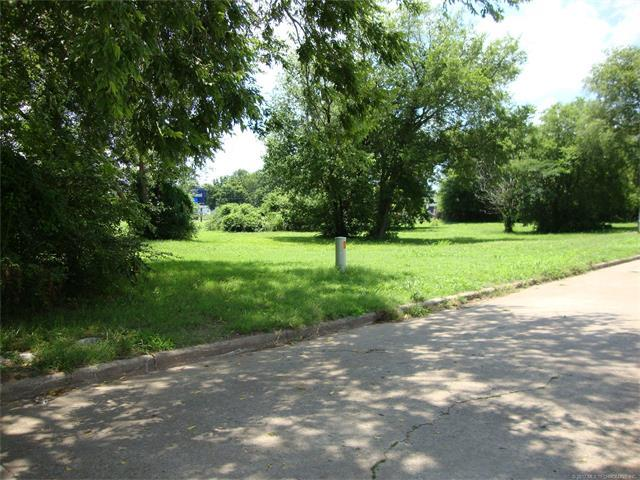 600 E 7th Street, Okmulgee, OK 74447 (MLS #1745738) :: The Boone Hupp Group at Keller Williams Realty Preferred
