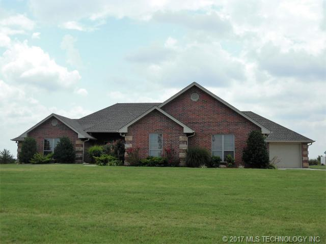 1115 S Country Club Drive, Cushing, OK 74023 (MLS #1746404) :: The Boone Hupp Group at Keller Williams Realty Preferred