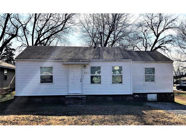 324 W Cypress Street, Coweta, OK 74429 (MLS #1747199) :: The Boone Hupp Group at Keller Williams Realty Preferred