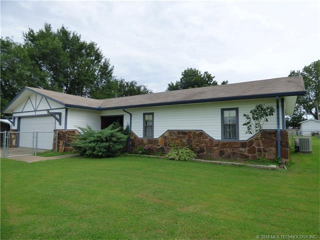 1733 E Buck Street, Eufaula, OK 74432 (MLS #1801078) :: Hopper Group at RE/MAX Results