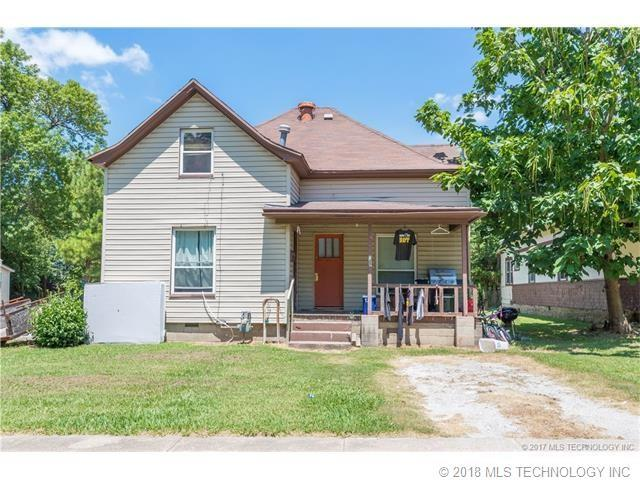 322 E 6th Street, Claremore, OK 74017 (MLS #1801768) :: The Boone Hupp Group at Keller Williams Realty Preferred