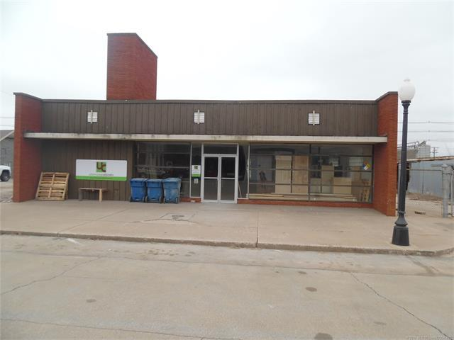 309 W Broadway Street, Cushing, OK 74023 (MLS #1801769) :: The Boone Hupp Group at Keller Williams Realty Preferred