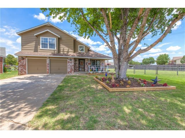 8411 N 128th East Avenue, Owasso, OK 74055 (MLS #1802086) :: Hopper Group at RE/MAX Results