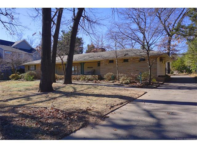 3616 S Yorktown Place, Tulsa, OK 74105 (MLS #1802397) :: Brian Frere Home Team