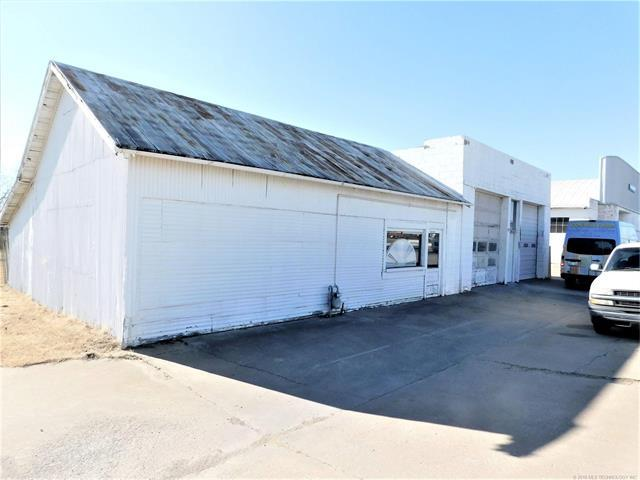 700 W Main Street, Stroud, OK 74079 (MLS #1802924) :: The Boone Hupp Group at Keller Williams Realty Preferred