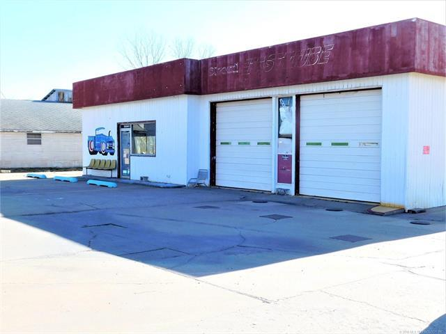 724 W Main Street, Stroud, OK 74079 (MLS #1802933) :: The Boone Hupp Group at Keller Williams Realty Preferred