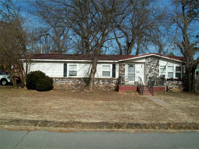 318 W Grand Street, Eufaula, OK 74432 (MLS #1803614) :: The Boone Hupp Group at Keller Williams Realty Preferred
