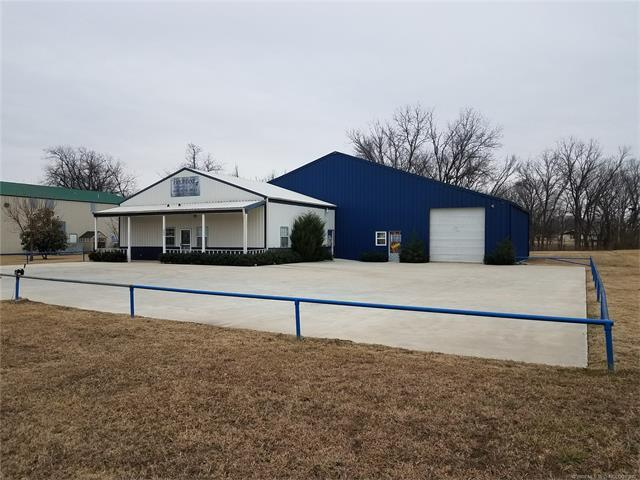 33448 E State Hwy 51, Coweta, OK 74429 (MLS #1804385) :: Hopper Group at RE/MAX Results