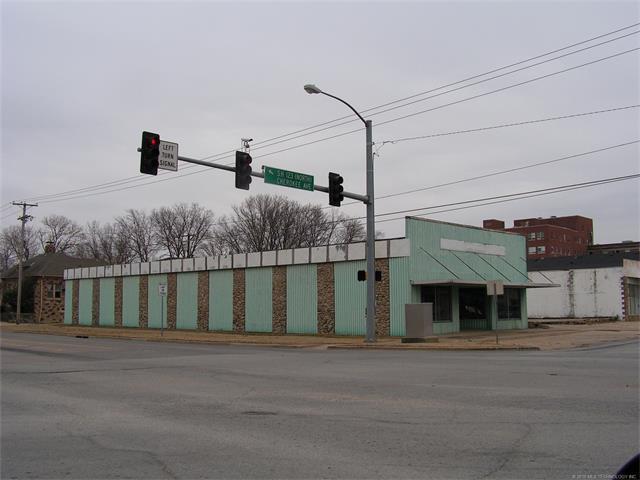 100 S Cherokee Avenue, Bartlesville, OK 74003 (MLS #1804498) :: The Boone Hupp Group at Keller Williams Realty Preferred