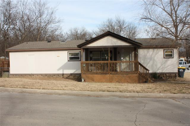 965 W 138th Street, Glenpool, OK 74033 (MLS #1804668) :: The Boone Hupp Group at Keller Williams Realty Preferred