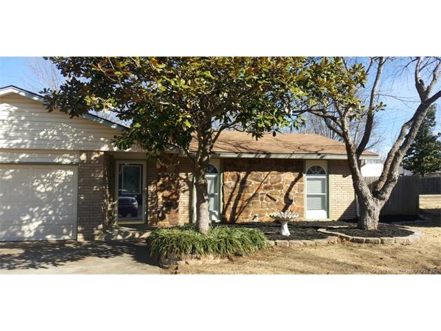 104 W Waco Place, Broken Arrow, OK 74011 (MLS #1804825) :: The Boone Hupp Group at Keller Williams Realty Preferred