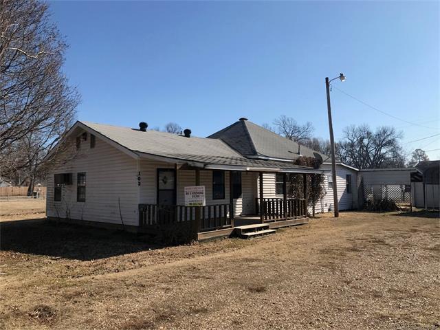 105 E Raymond Street, Webber Falls, OK 74470 (MLS #1804912) :: The Boone Hupp Group at Keller Williams Realty Preferred