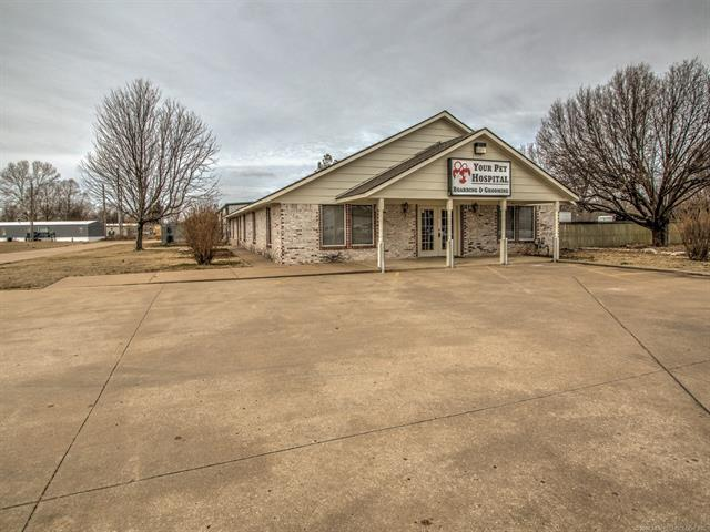 13290 S 80th East Avenue, Bixby, OK 74008 (MLS #1805478) :: The Boone Hupp Group at Keller Williams Realty Preferred