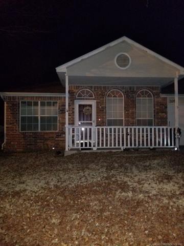 329 W Walnut Street, Coweta, OK 74429 (MLS #1805865) :: The Boone Hupp Group at Keller Williams Realty Preferred