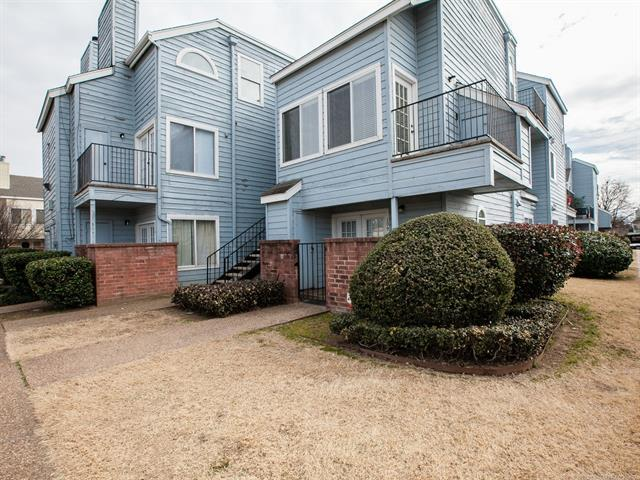 1802 E 66th Place #209, Tulsa, OK 74136 (MLS #1805932) :: The Boone Hupp Group at Keller Williams Realty Preferred