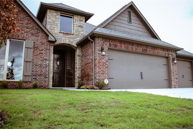 136 W 128th Place S, Jenks, OK 74037 (MLS #1805951) :: Brian Frere Home Team