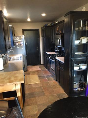11452 S Franklin Avenue, Jenks, OK 74037 (MLS #1806020) :: The Boone Hupp Group at Keller Williams Realty Preferred