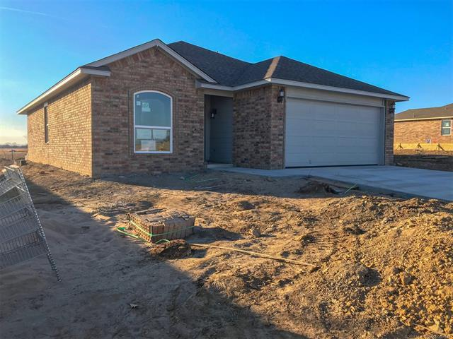 3936 S 148th Avenue E, Tulsa, OK 74134 (MLS #1806098) :: 918HomeTeam - KW Realty Preferred