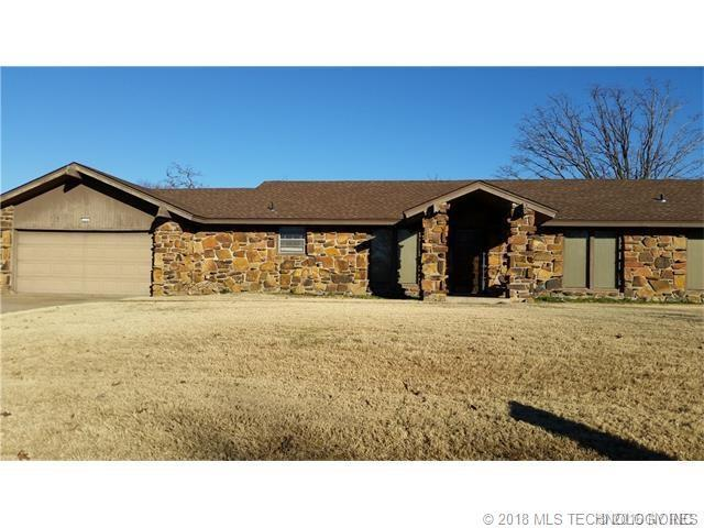 215 Oak Ridge Drive, Sand Springs, OK 74063 (MLS #1806285) :: The Boone Hupp Group at Keller Williams Realty Preferred