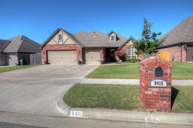 8410 N 77th East Avenue, Owasso, OK 74055 (MLS #1806369) :: The Boone Hupp Group at Keller Williams Realty Preferred