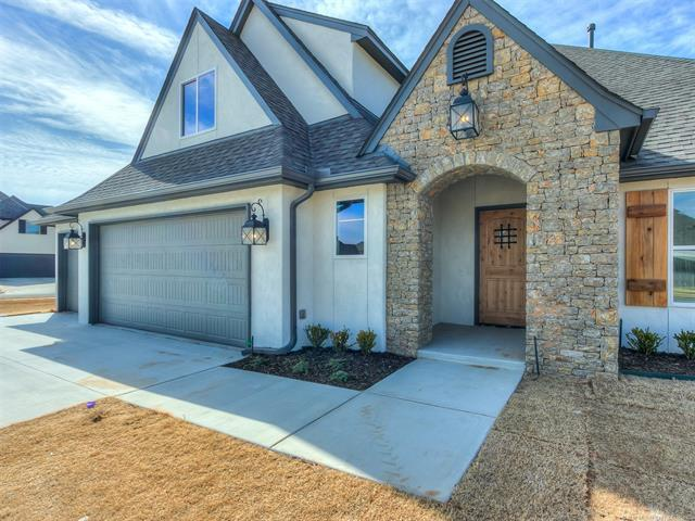 6738 E 124th Place S, Bixby, OK 74008 (MLS #1806446) :: The Boone Hupp Group at Keller Williams Realty Preferred