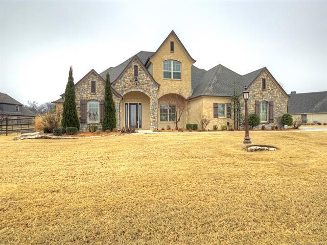 7089 Greenbriar Drive, Owasso, OK 74055 (MLS #1806463) :: 918HomeTeam - KW Realty Preferred