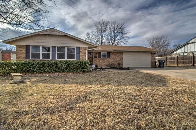 1404 N Cedar Street, Owasso, OK 74055 (MLS #1806574) :: The Boone Hupp Group at Keller Williams Realty Preferred