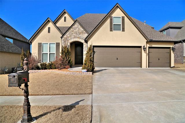 5857 E 145th Place, Bixby, OK 74008 (MLS #1806577) :: The Boone Hupp Group at Keller Williams Realty Preferred