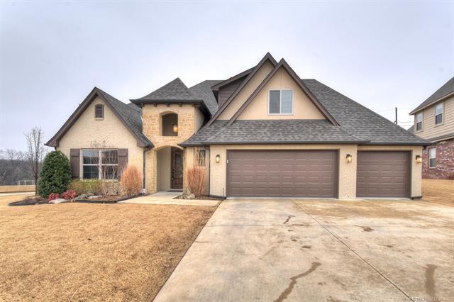2014 W 109th Place S, Jenks, OK 74037 (MLS #1806713) :: 918HomeTeam - KW Realty Preferred