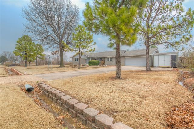 11203 S 244th East Avenue, Broken Arrow, OK 74014 (MLS #1806733) :: 918HomeTeam - KW Realty Preferred