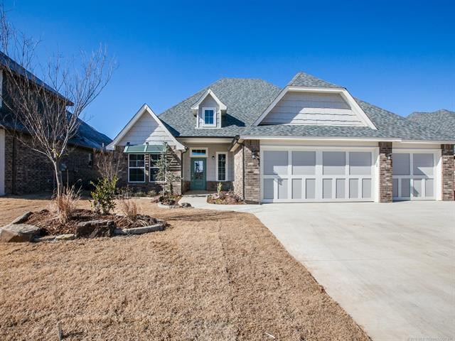 12912 S 5th Place E, Jenks, OK 74037 (MLS #1806989) :: The Boone Hupp Group at Keller Williams Realty Preferred