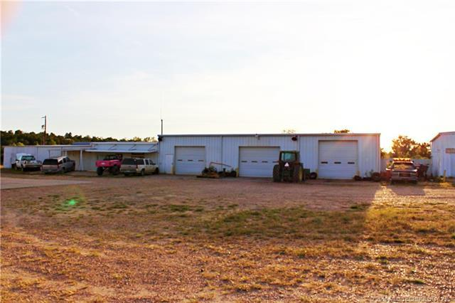 411806 State Hwy 9 W, Eufaula, OK 74432 (MLS #1808398) :: The Boone Hupp Group at Keller Williams Realty Preferred