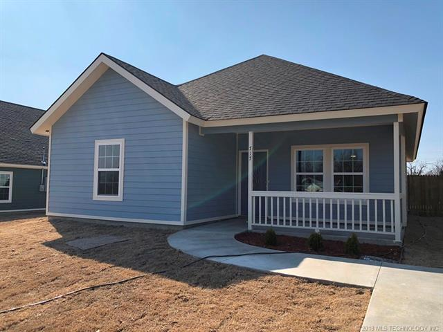 717 S D. Street, Mcalester, OK 74501 (MLS #1808698) :: The Boone Hupp Group at Keller Williams Realty Preferred