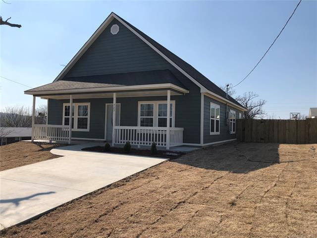 725 S D. Street, Mcalester, OK 74501 (MLS #1808699) :: The Boone Hupp Group at Keller Williams Realty Preferred