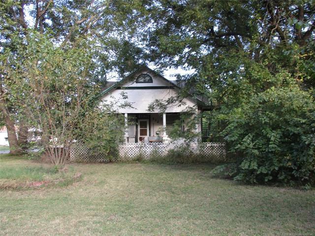 512 N 11th Street, Hartshorne, OK 74547 (MLS #1809202) :: The Boone Hupp Group at Keller Williams Realty Preferred