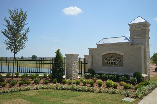 4355 S 172nd East Avenue, Tulsa, OK 74134 (MLS #1809373) :: Brian Frere Home Team
