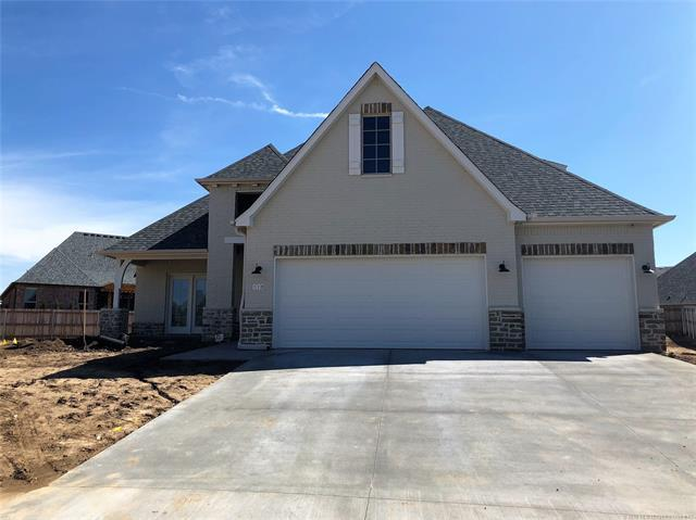 118 E 129th Place, Jenks, OK 74037 (MLS #1809393) :: The Boone Hupp Group at Keller Williams Realty Preferred