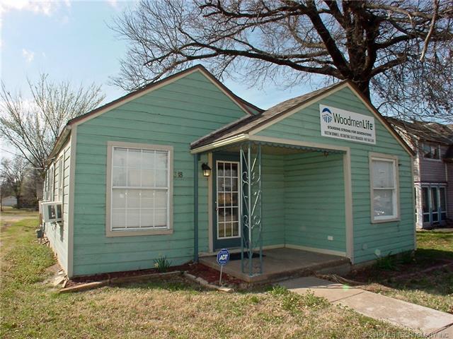 318-320 N Broadway Street, Coweta, OK 74429 (MLS #1809422) :: The Boone Hupp Group at Keller Williams Realty Preferred