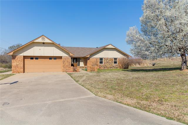 1515 Tanglewood Drive W, Mcalester, OK 74501 (MLS #1809699) :: The Boone Hupp Group at Keller Williams Realty Preferred