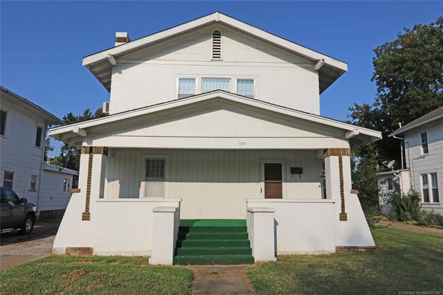 721 S Shawnee Avenue, Bartlesville, OK 74003 (MLS #1809804) :: Brian Frere Home Team