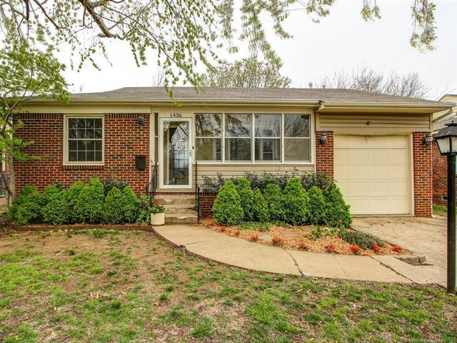 1436 S Pittsburg Avenue, Tulsa, OK 74112 (MLS #1809825) :: Brian Frere Home Team